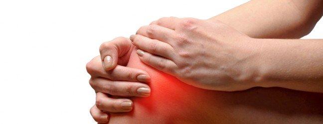 Douleur au genou : opération ou physiothérapie.